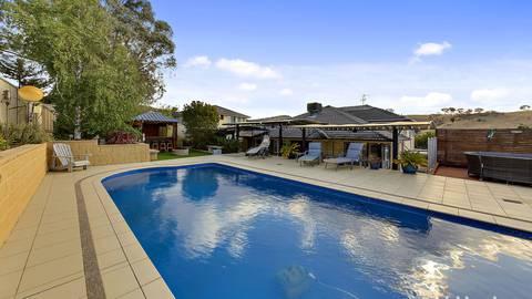 140 Waterfall Drive JERRABOMBERRA, NSW 2619