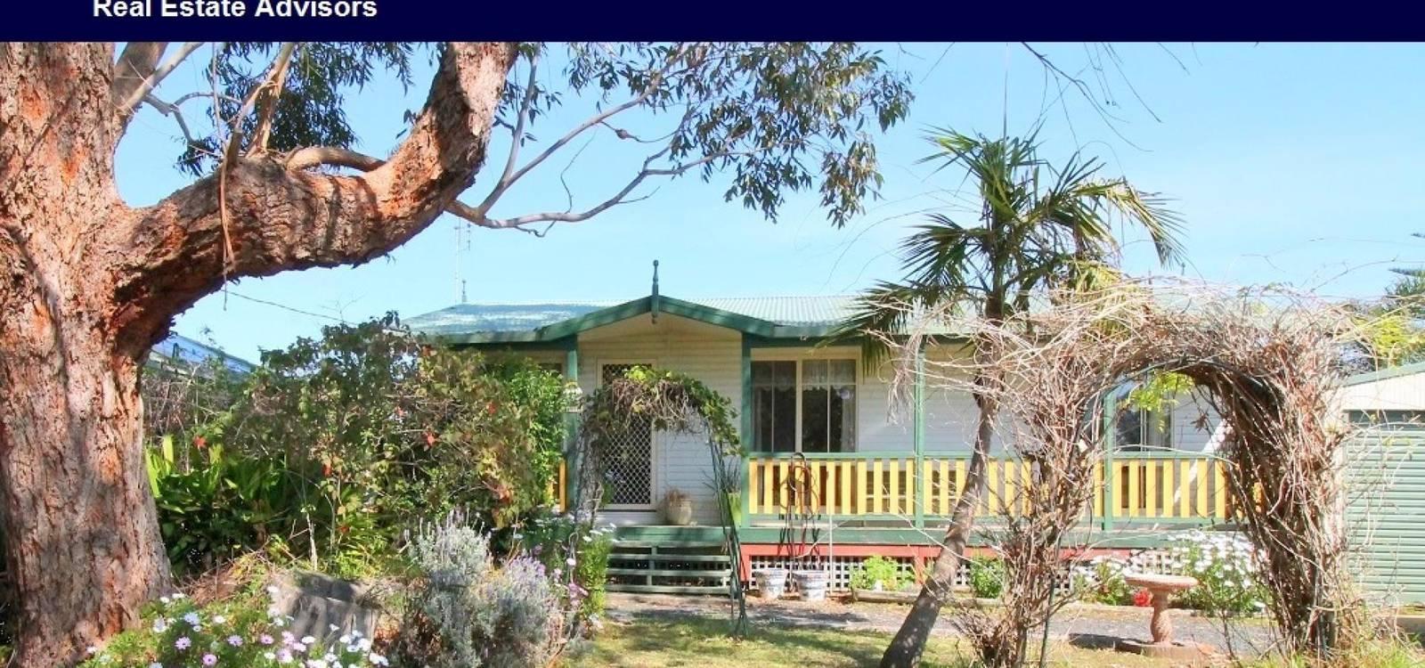 17 Coogee Street TUROSS HEAD, NSW 2537 - photo 1