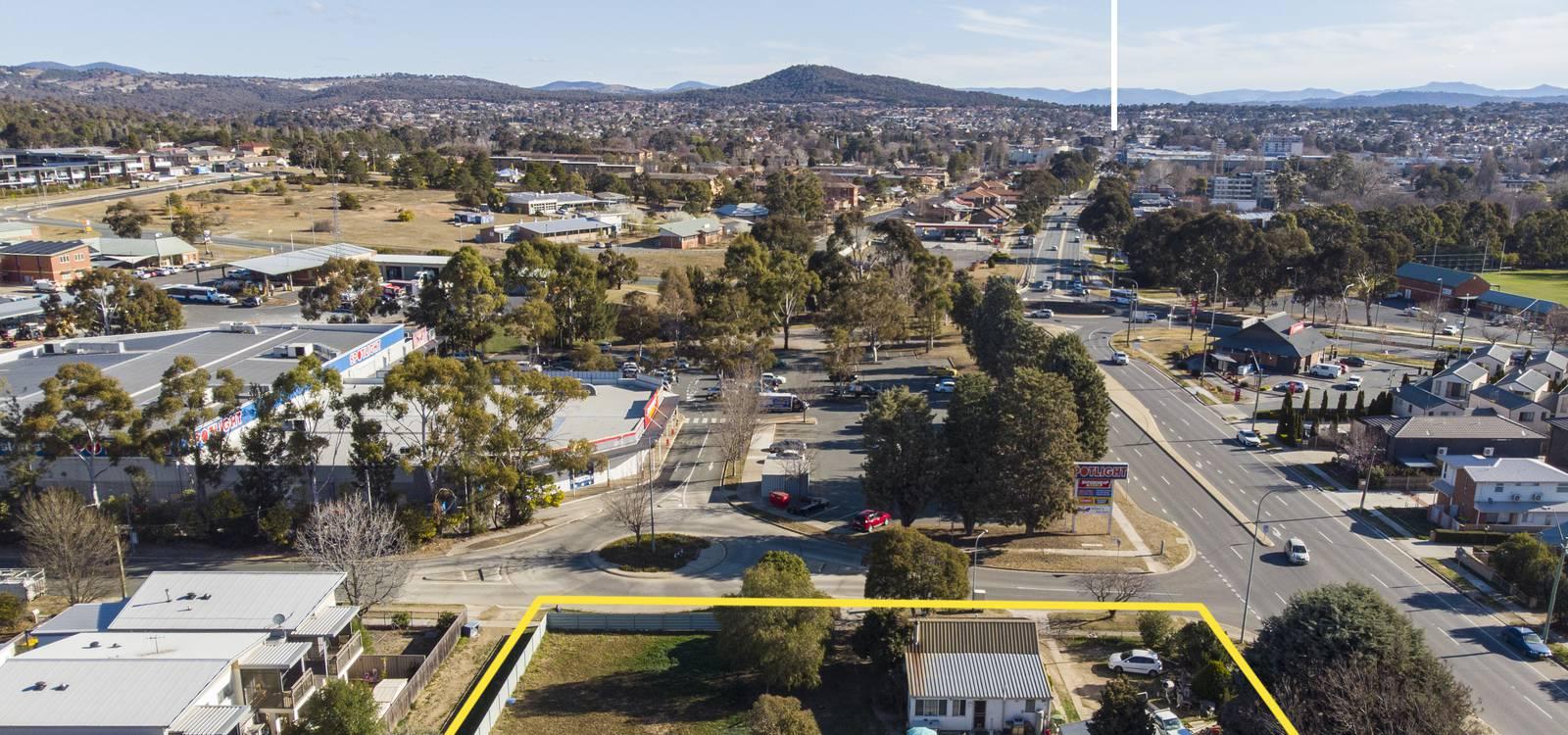 18 Bungendore Road QUEANBEYAN EAST, NSW 2620 - photo 1