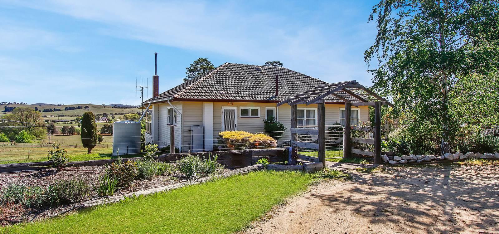 2 Lerida Street GUNNING, NSW 2581 - photo 1