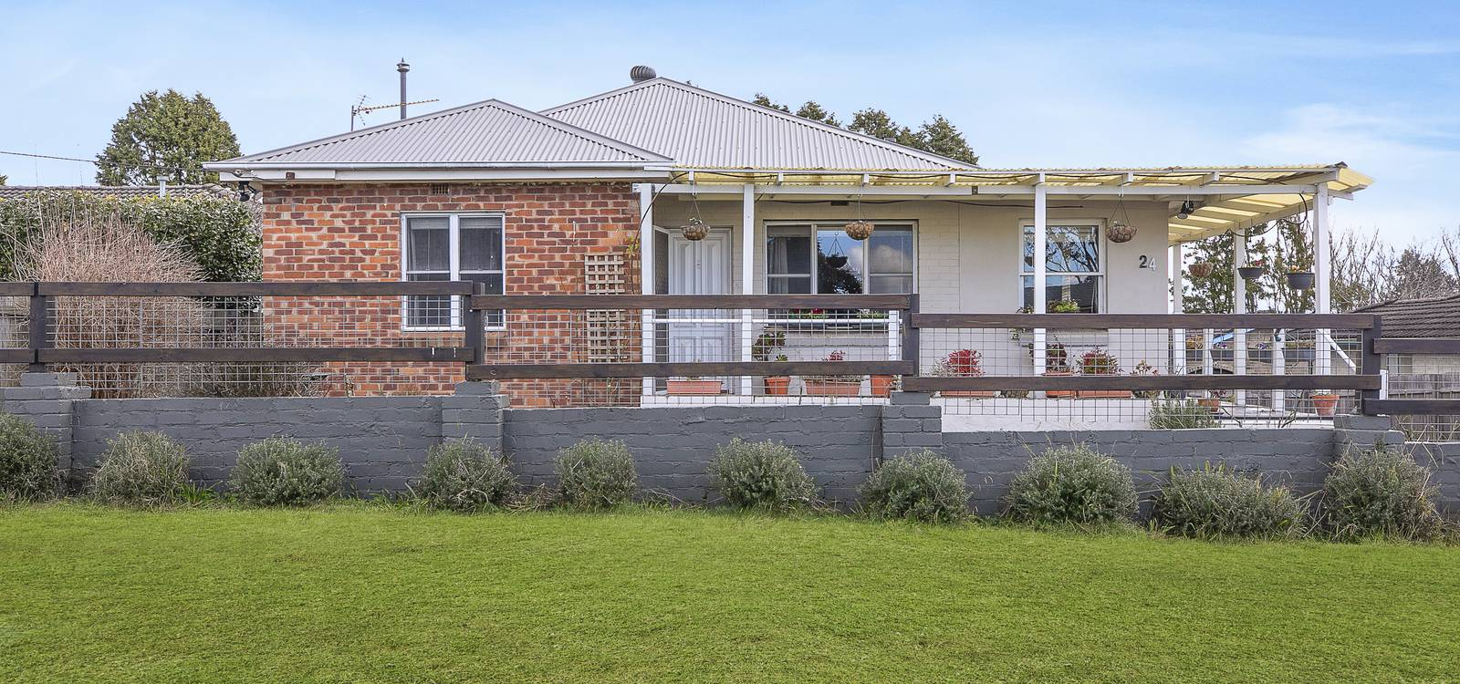 24 Beaconsfield Road MOSS VALE, NSW 2577 - photo 1