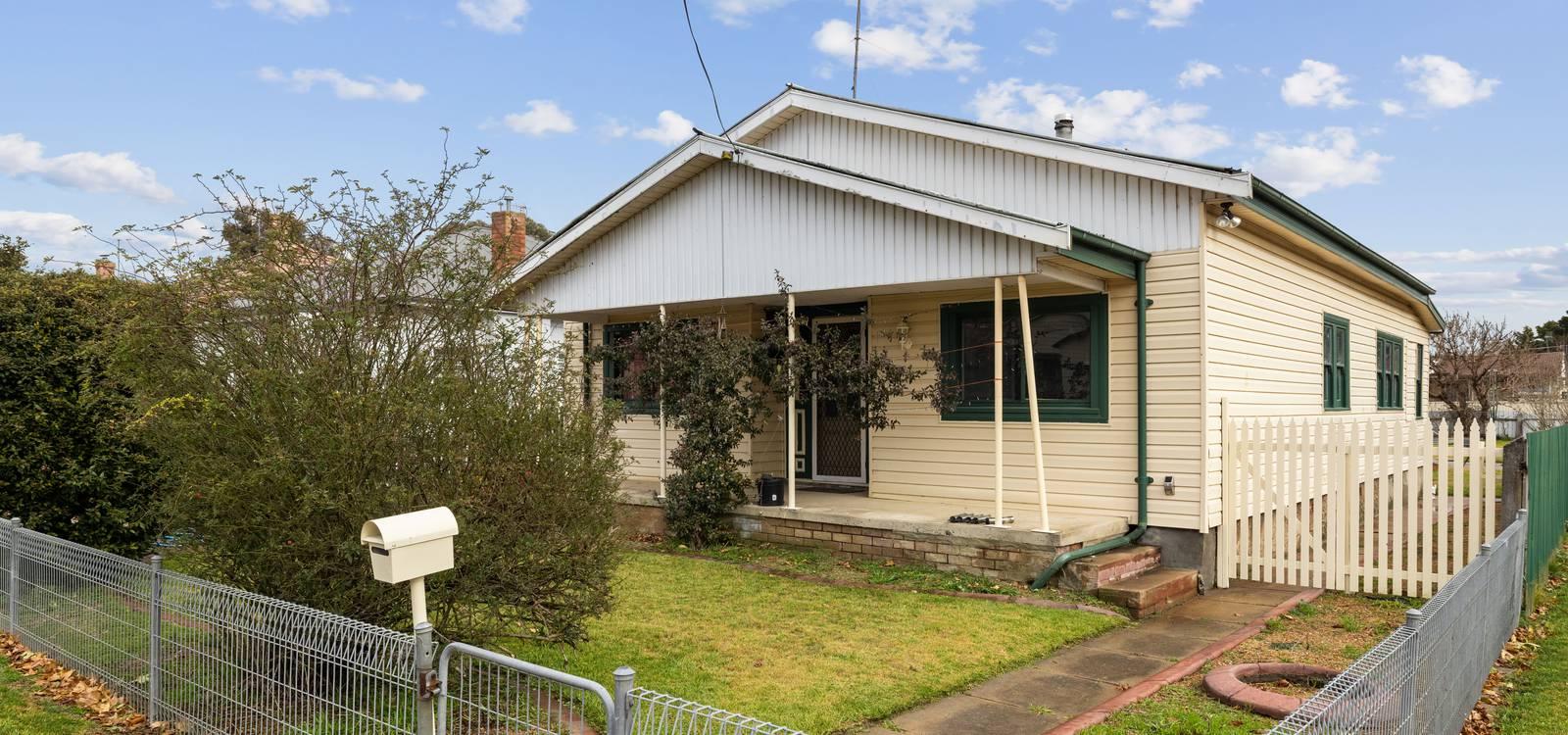 26 Bellevue Street GOULBURN, NSW 2580 - photo 1