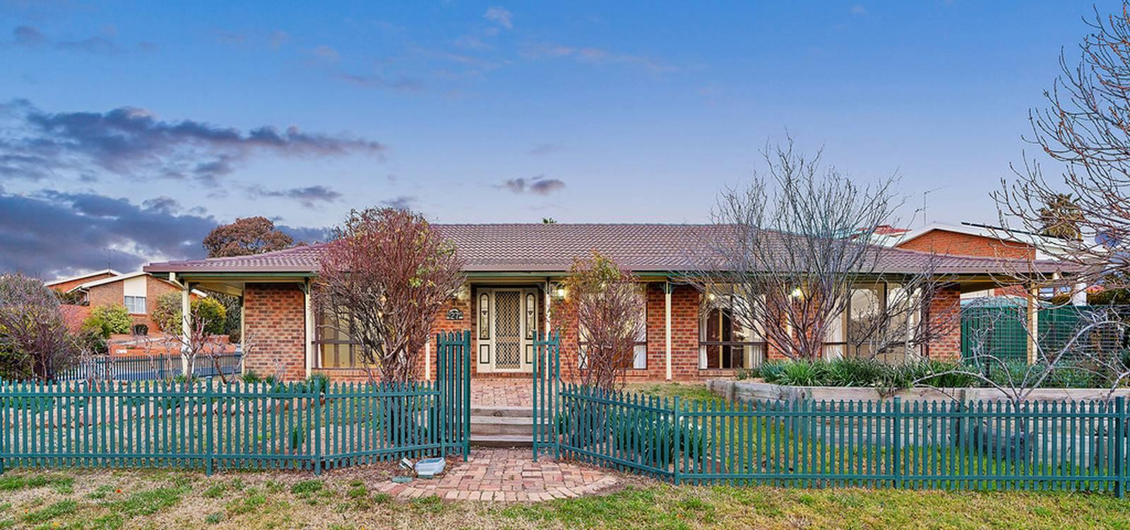 27 Rusten Street KARABAR, NSW 2620 - photo 1