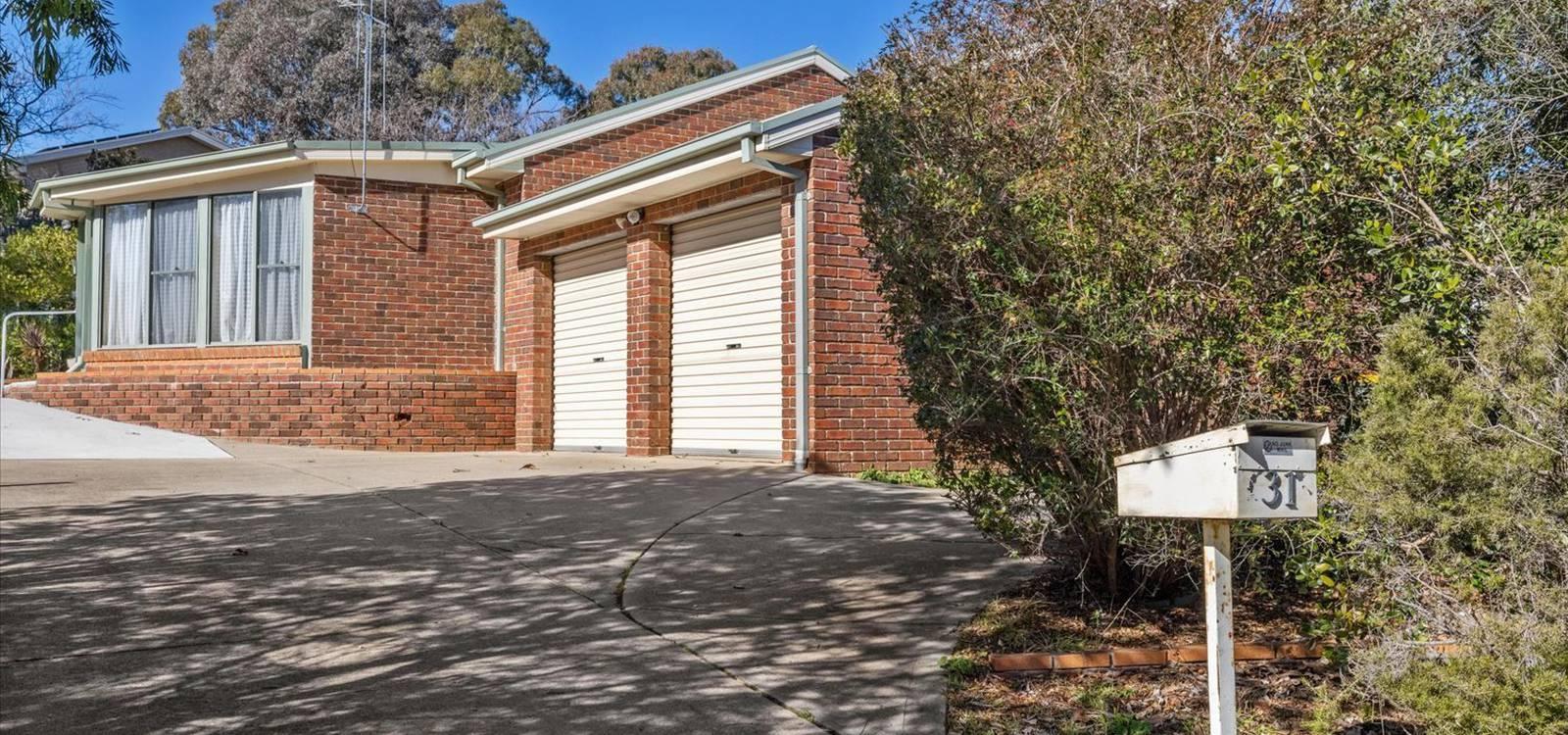 31 Esmond Avenue JERRABOMBERRA, NSW 2619 - photo 1