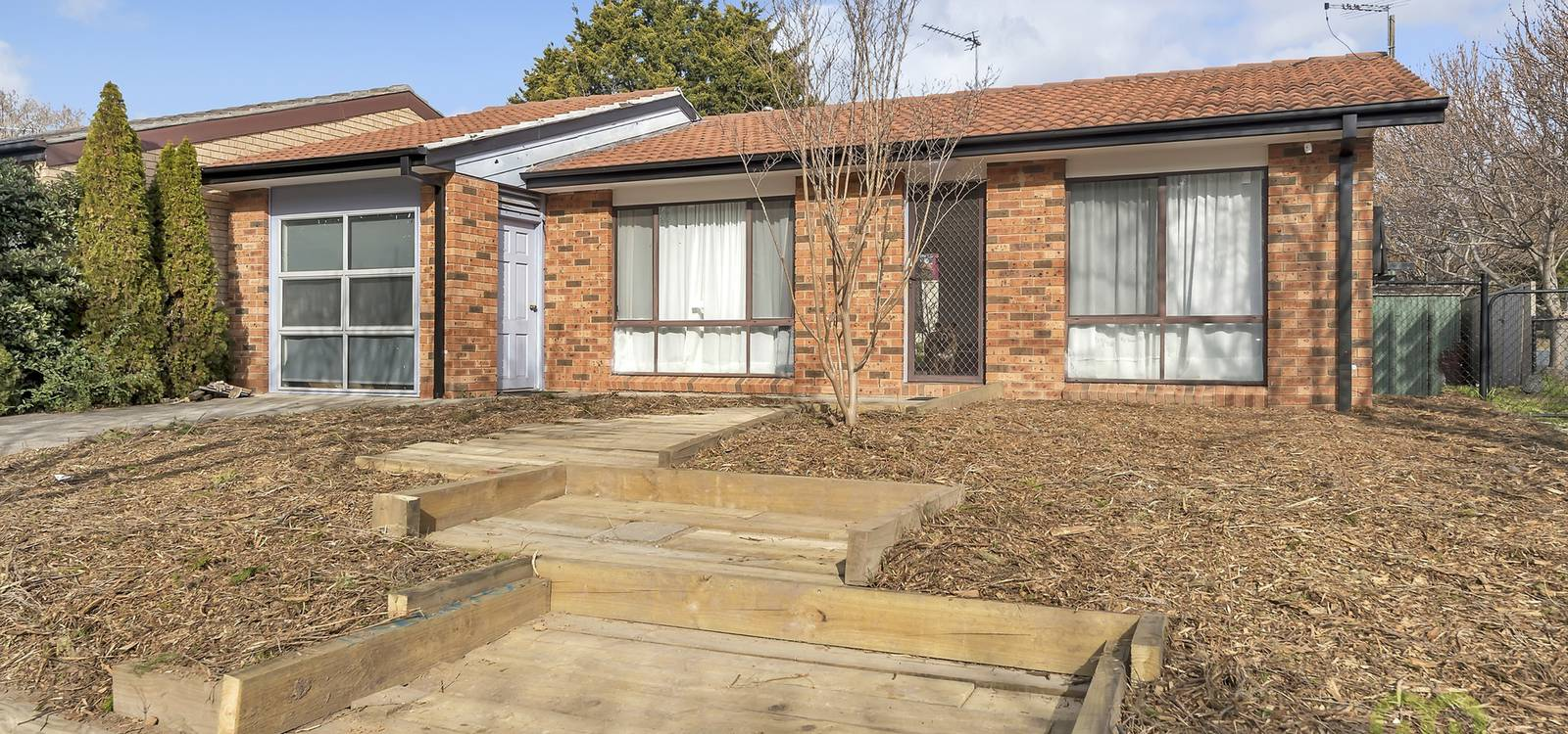 32 Reader Court BANKS, ACT 2906 - photo 1