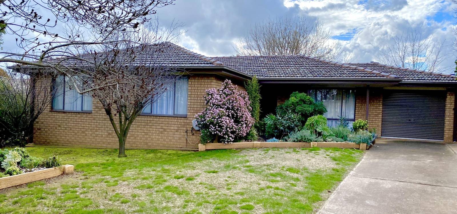 5 Dwyer Drive YOUNG, NSW 2594 - photo 1