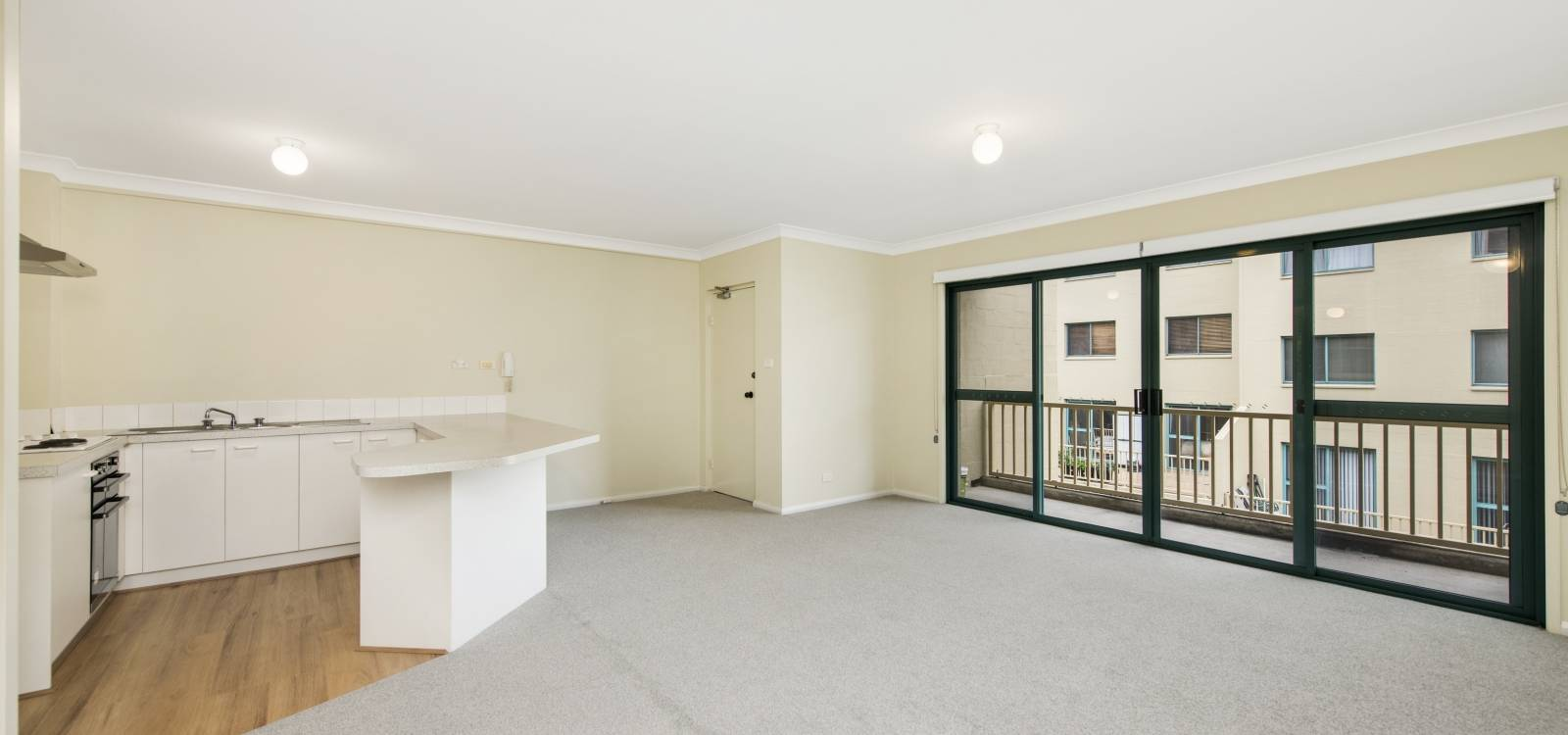 64/53 Mcmillan Crescent GRIFFITH, ACT 2603 - photo 1
