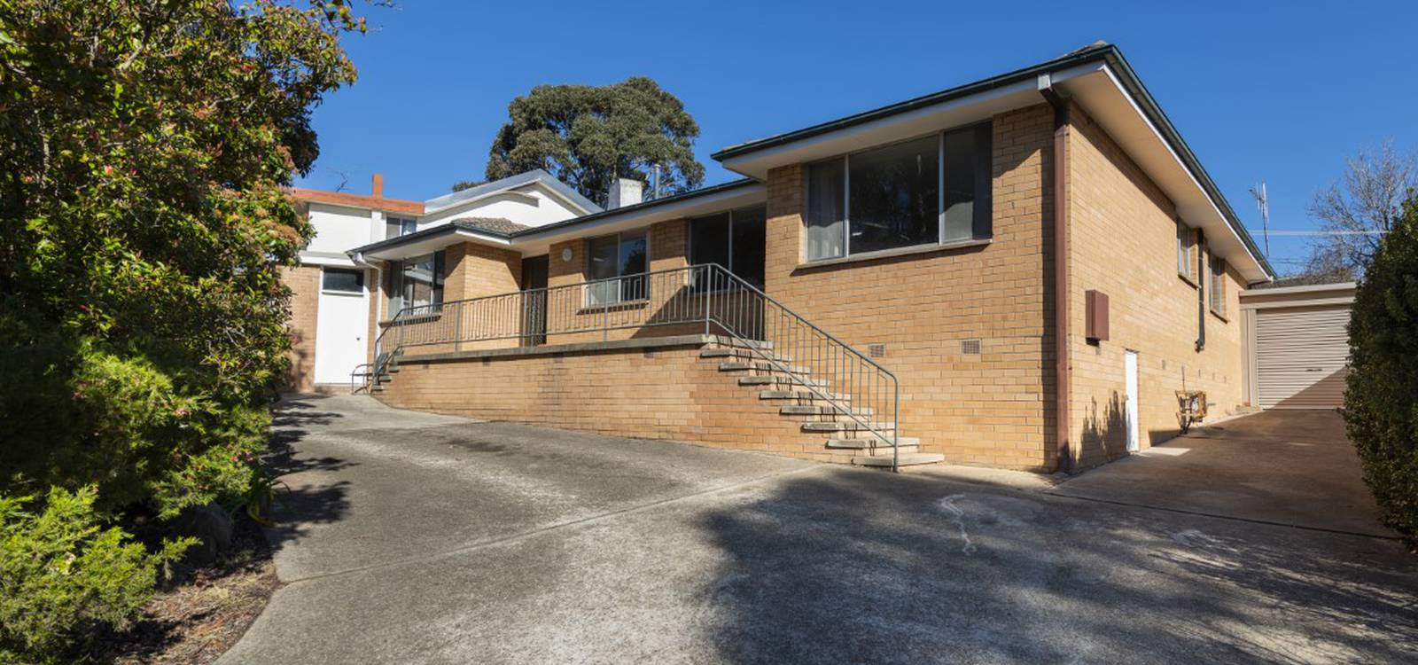 8 Ardlethan Street FISHER, ACT 2611 - photo 1