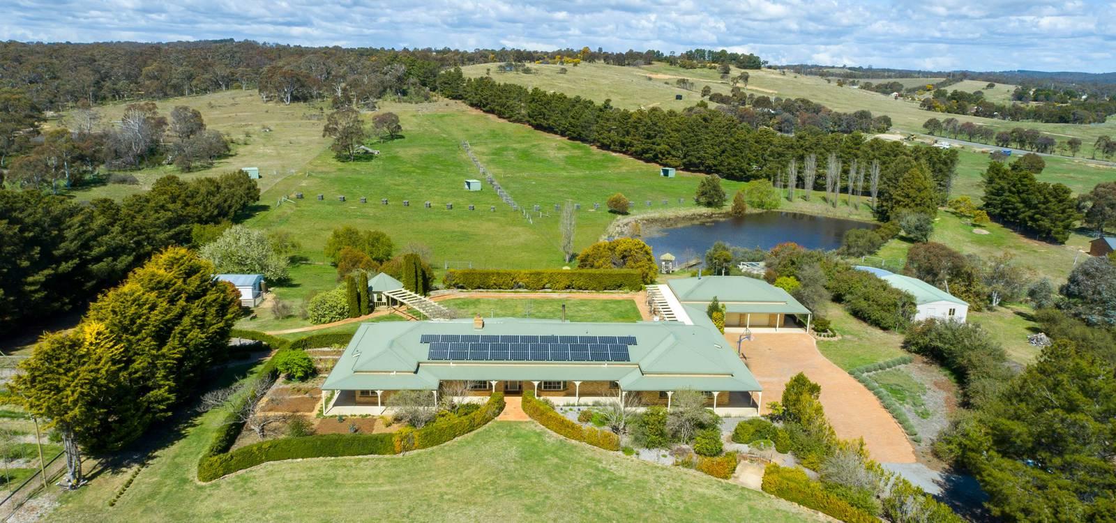 94 Weeroona Drive WAMBOIN, NSW 2620 - photo 1