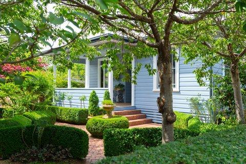 Take a look inside Ainslie's beautiful little blue house