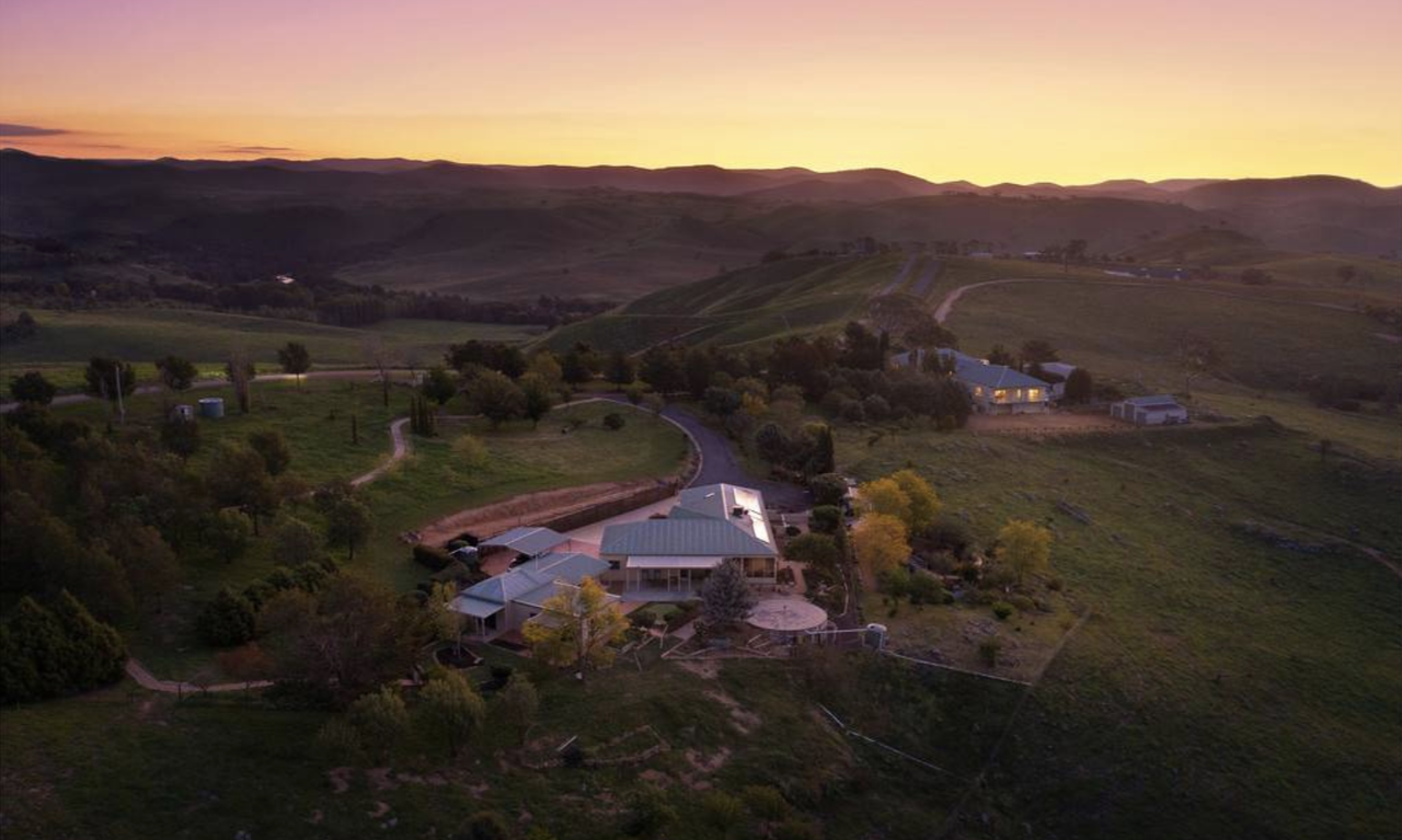 Escape the world with this spectacular Wallaroo estate