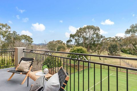 Glamorous abode with tennis court expected to smash sales record in Tuggeranong