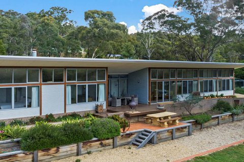 Luxury living off-the-grid: the best of both worlds at picturesque Mulloon